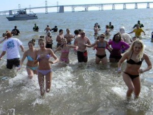 Students plunge into icy waters for Special Olympics