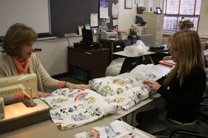 Advisories bond by giving back to community